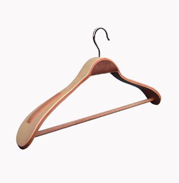 закачалка широко рамо /дървена/ От Деми Дизайн ЕООД