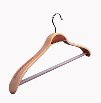 закачалка средно рамо /дървена/ От Деми Дизайн ЕООД