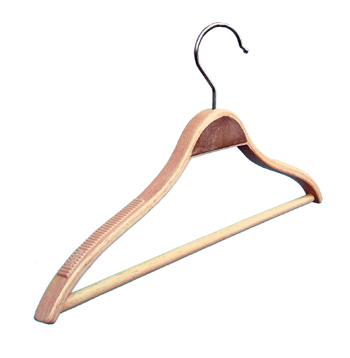закачалка тънко рамо /дървена/ От Деми Дизайн ЕООД