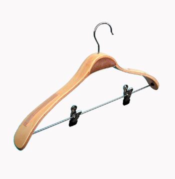 закачалка широко рамо с щики /дървена/ От Деми Дизайн ЕООД